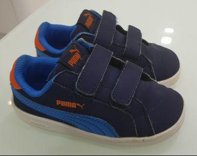 Puma toddler shoe (UK size 6)