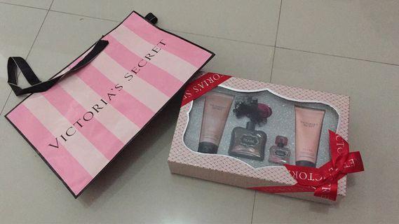 Victoria's secreet set in perfume Tease parfum murah