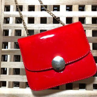 🚚 紅色漆皮小方包