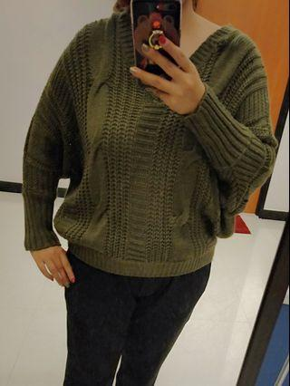 Knitted oversize top