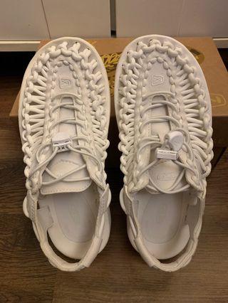 Keen涼鞋
