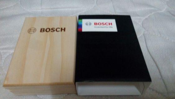 🚚 (全新) 限量 BOSCH撲克牌--含磁吸式高質感木盒