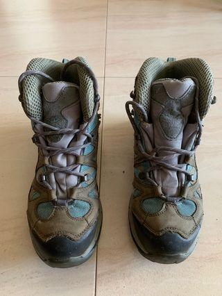 🚚 Tracking shoe
