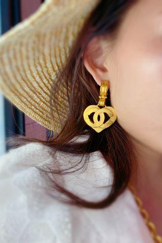 chanel vintage 心型雙C標誌鏤空掛墜耳夾