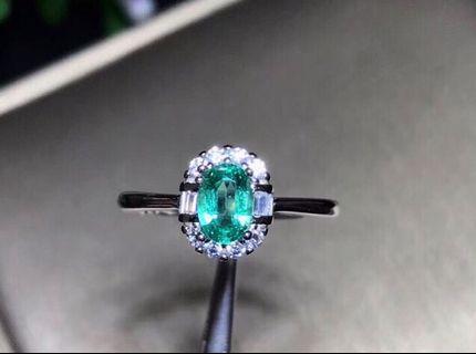 亮晶晶,新款,太美了,天然祖母綠戒指,玻璃體,主石尺寸4✖️6,經典大氣,emerald ring,925純銀free size , $928 , 只有一個。