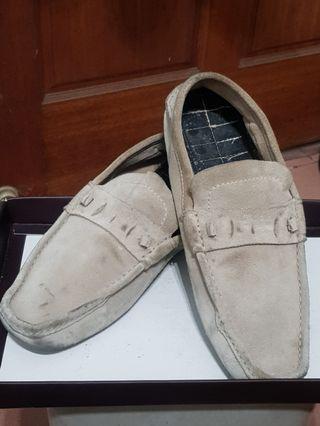 GUCCI 古馳 淺色 麂皮鞋 樂福鞋 休閒鞋,正品專櫃貨,便宜出清