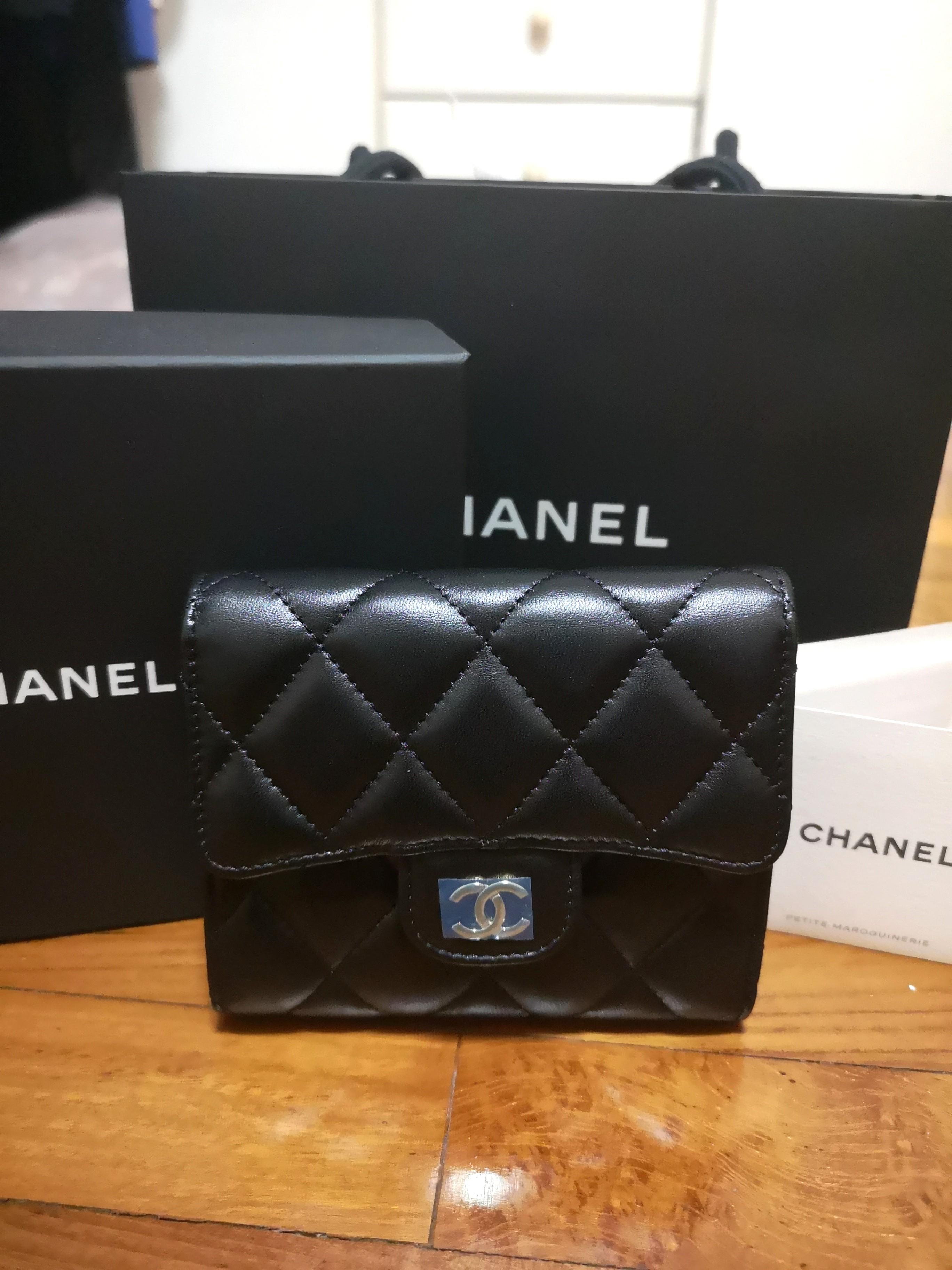 afb40d78 Authentic Chanel Wallet A82288, Women's Fashion, Bags & Wallets ...
