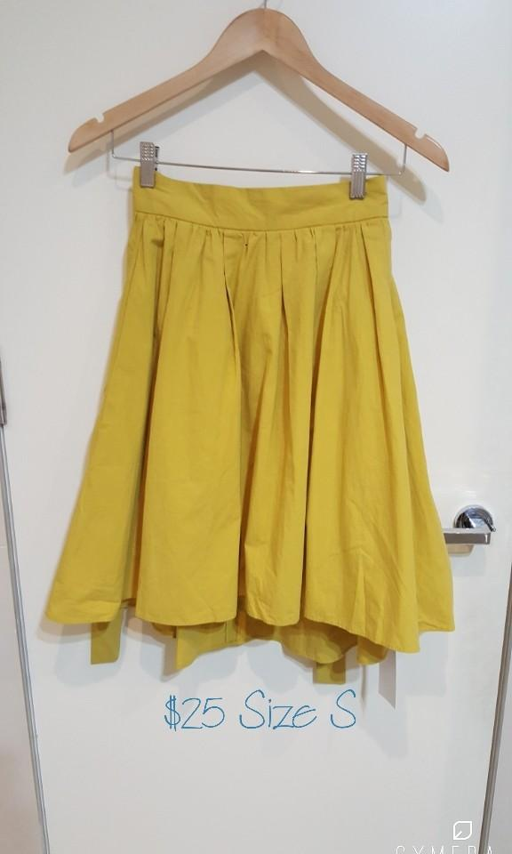 """""""Cecil McBee"""" Japanese Brand Mustard High Waisted A-Line Tie Waisted Skirt (Size S)"""