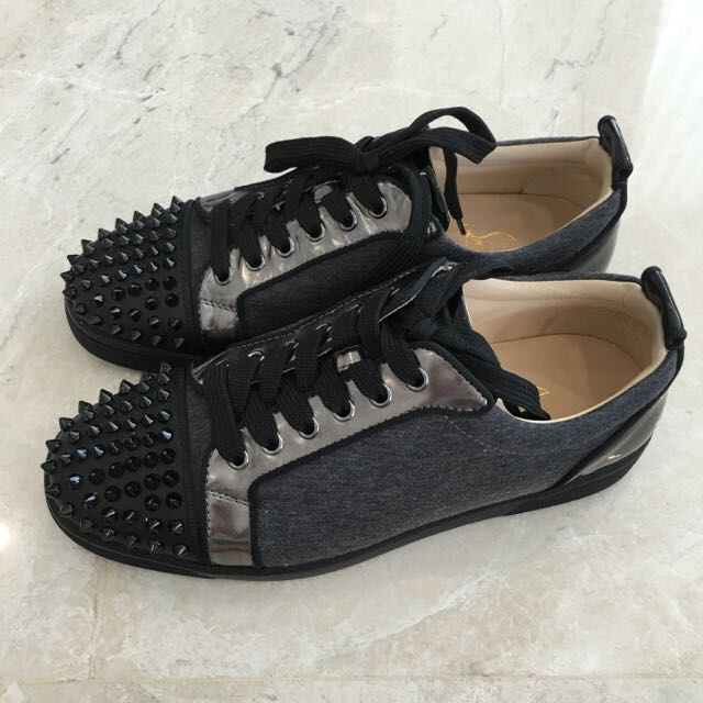 new style b0847 de543 Christian louboutin Louis Junior Spikes Flat