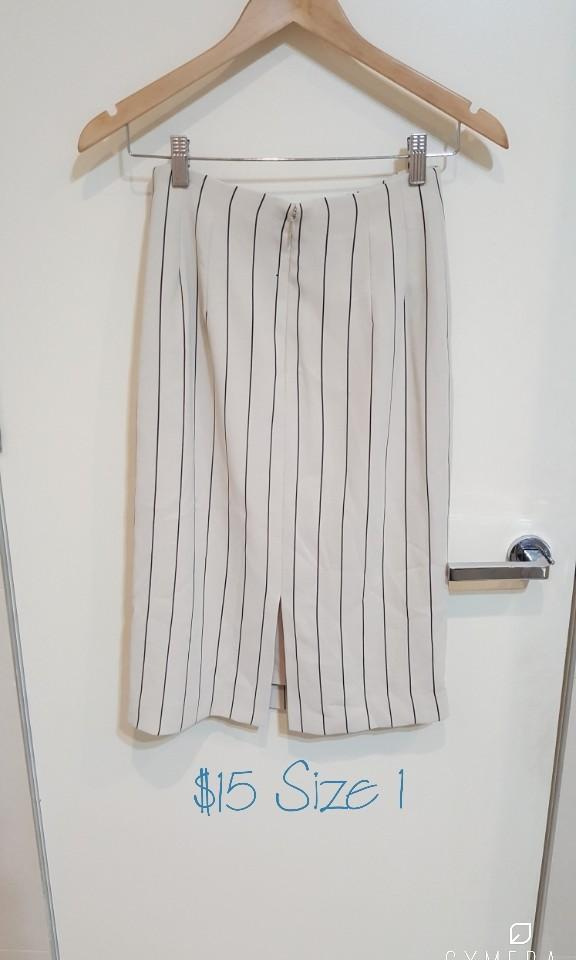 """""""FRAY I.D"""" Japanese Brand Beige and Black Striped Midi Pencil Skirt (Size 1)"""