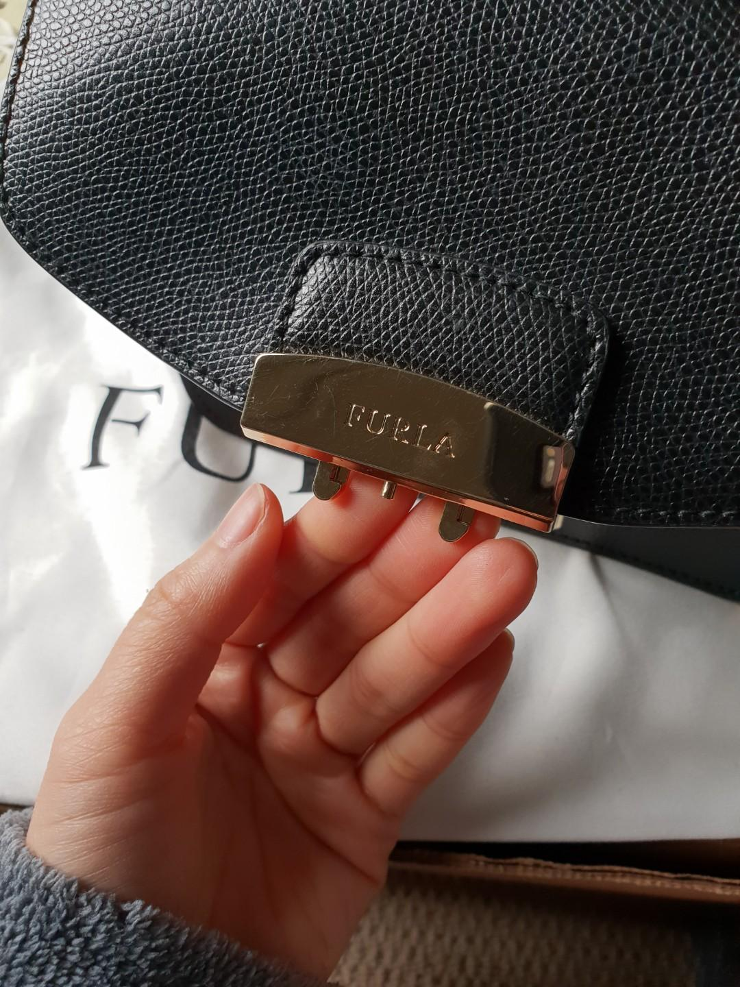 Furla metropolis shoulder black with gold chain and tags