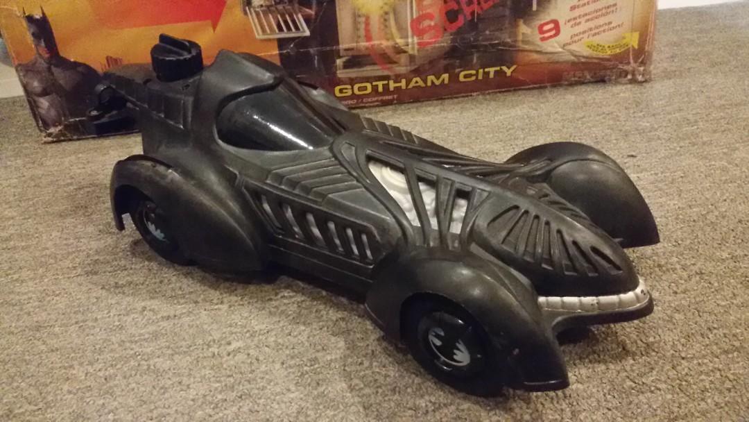 LARAMI Batman Forever Super Soaker Batmobile