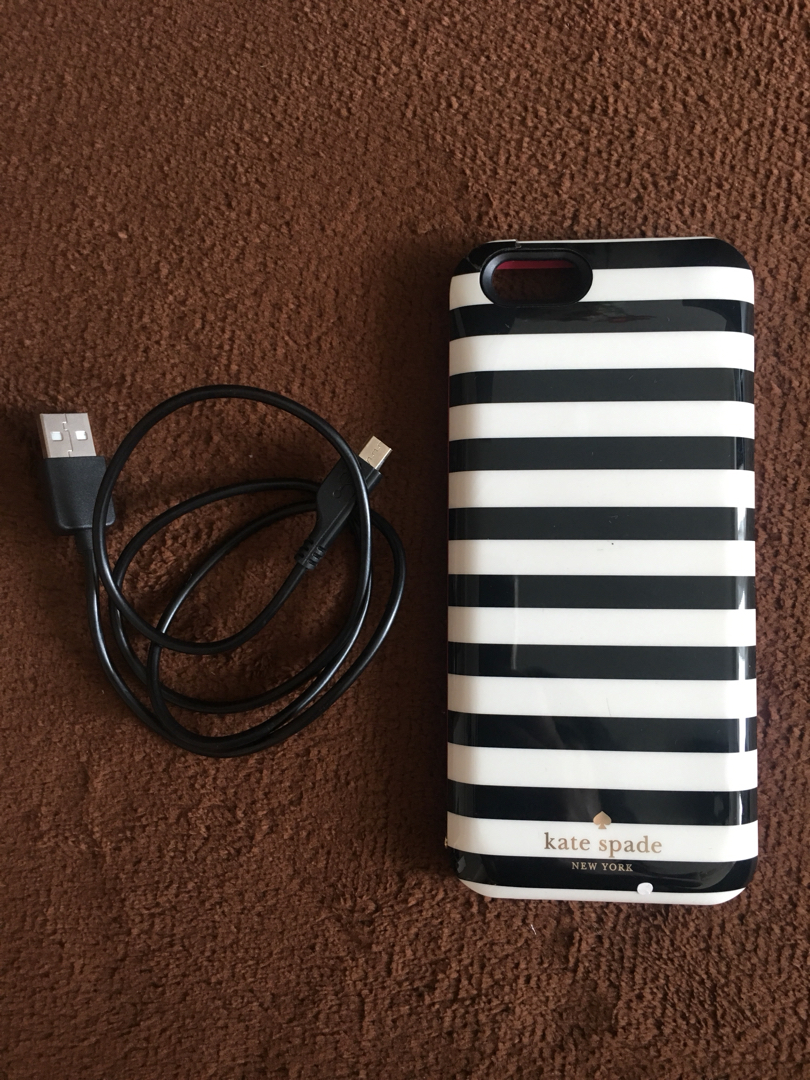 newest 397a5 5e3a8 Kate Spade Charging Case
