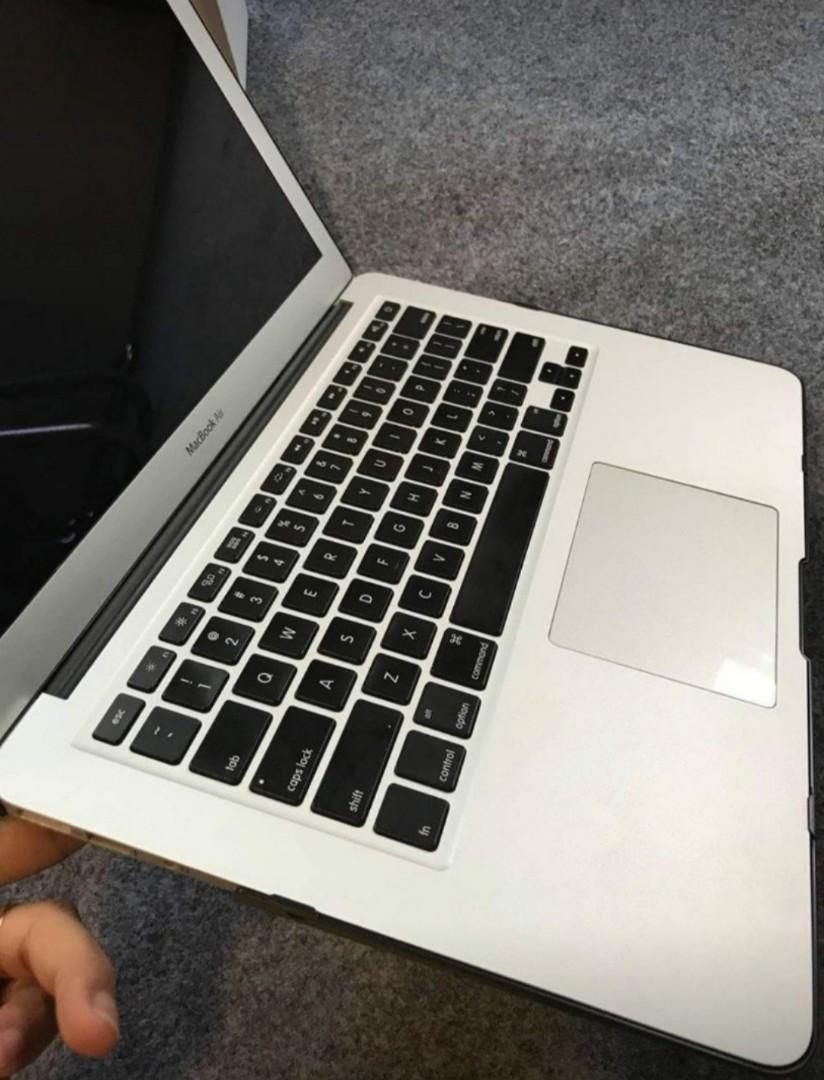 macbook air 13 i5/4gb/128gb
