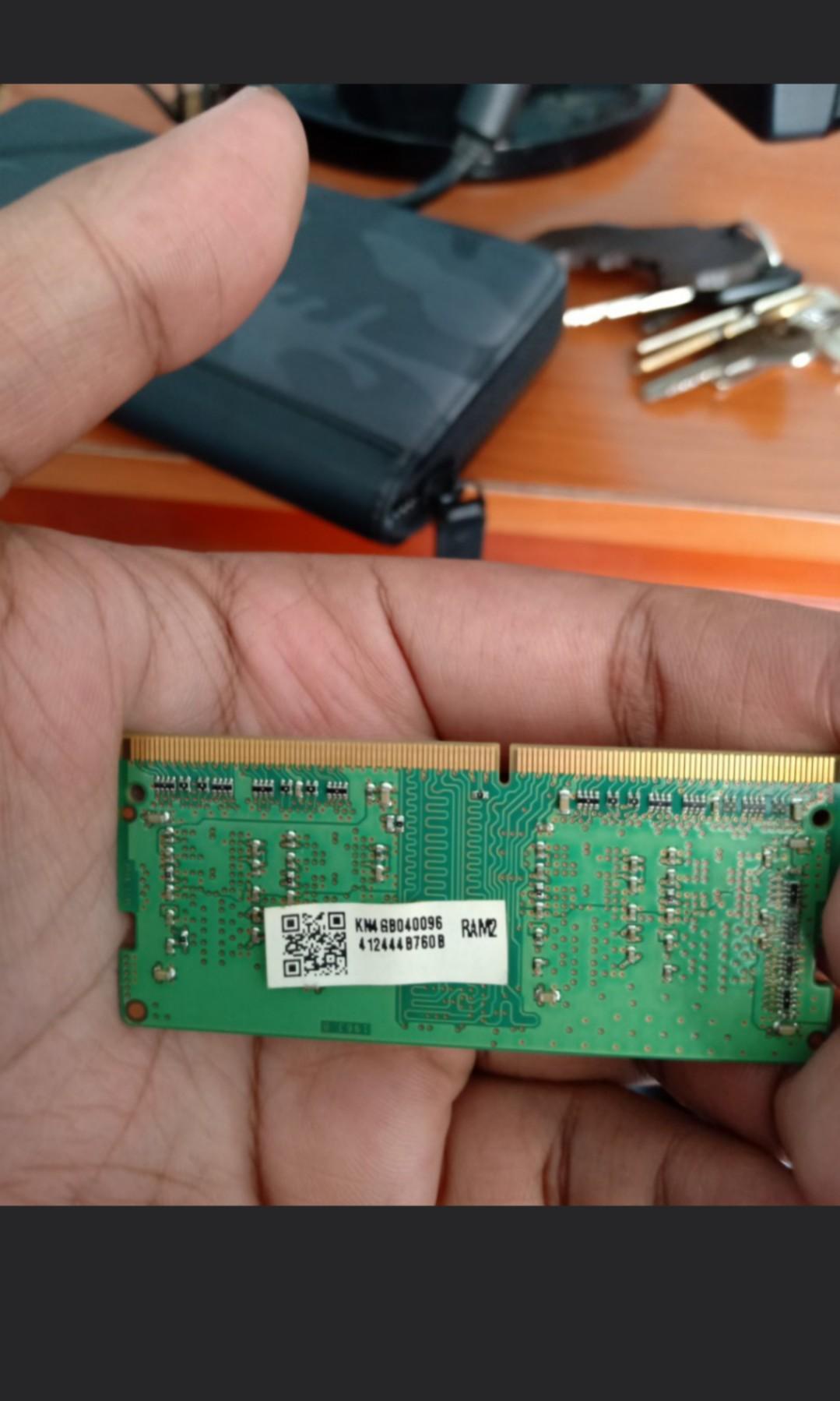 #mauthr ram laptop 4gb ddr 4 ada sepasang