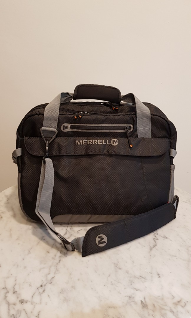 da42c14b957 MERRELL Messenger Bag, Men's Fashion, Bags & Wallets, Others on Carousell