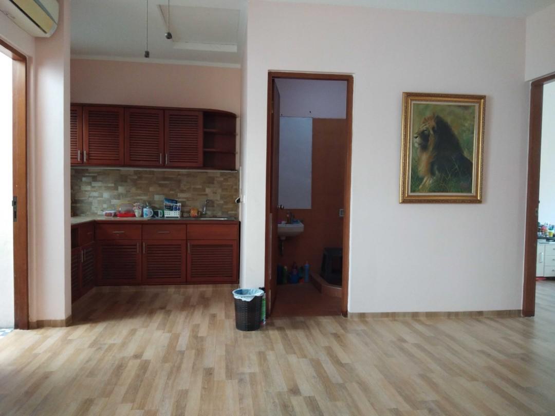 Rumah Renovasi Baru disewakan Bulanan di Lippo Karawaci