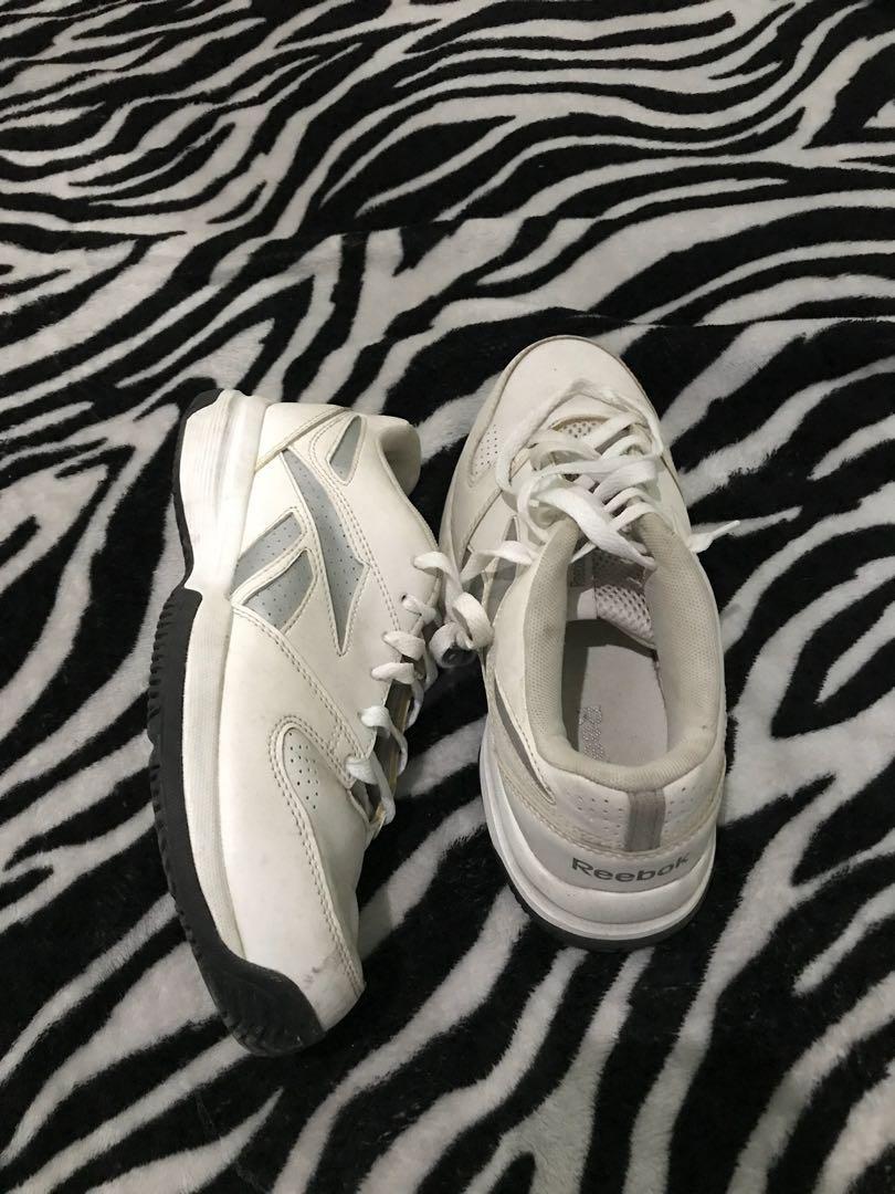 Sepatu sneakers original