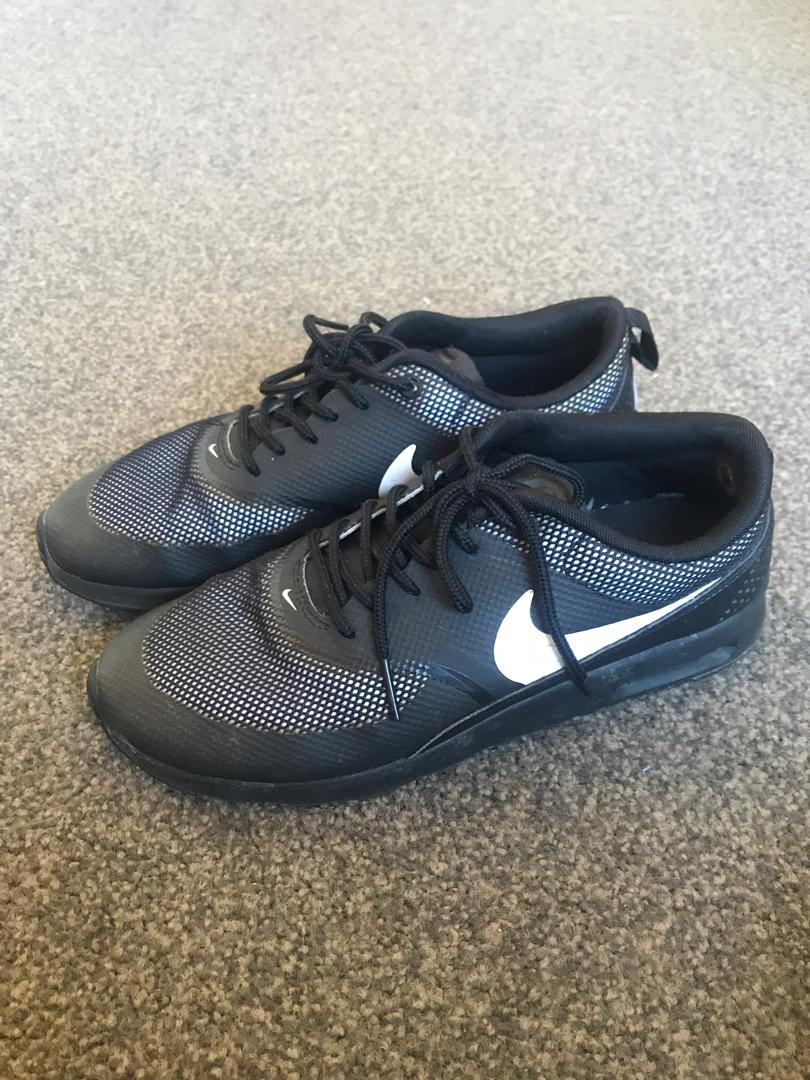 Women's size 8 Nike trainers