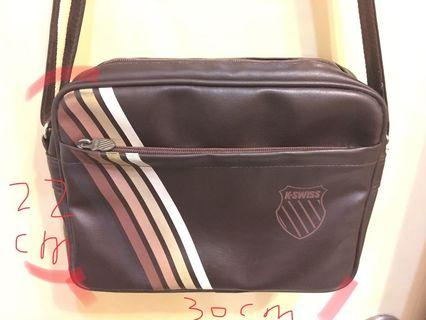 K•SWISS 側背小包
