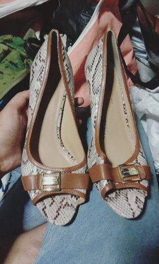 🚚 CHARLES & KEITH PEEP TOE Heels