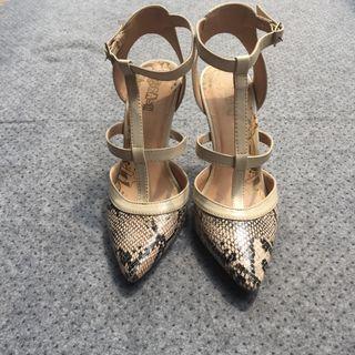 Gold Heels brash