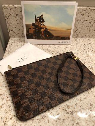 Louis Vuitton DE pochette