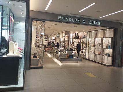 Charles & Keith 代购