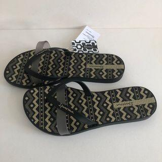 Ipanema 女生夾腳拖鞋 巴西尺寸33/34,39/40(印加圖紋 人字夾腳平底拖鞋-黑色)