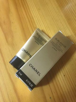 全新 Chanel sublimage le teint 粉底霜