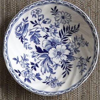 Moving Out Sale Johnson Brothers(England 1883)  Ceramic decorative bowl