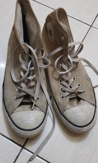 Sepatu converse ct high preloved (original)  kondisi seadanya minus cuci NEGO