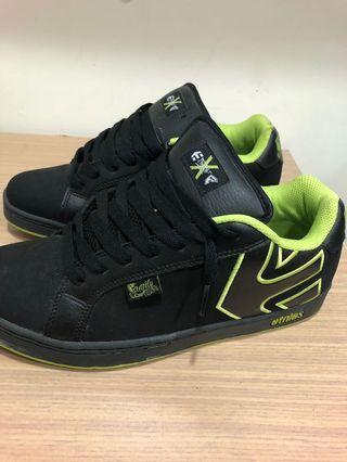 🚚 8成新 Etnies 黑色螢光綠 運動滑板鞋 US11