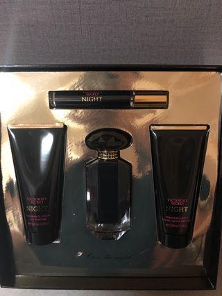 全新 Victoria's Secret 香水連沖涼乳液套裝