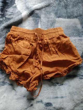 Mustard glassons shorts