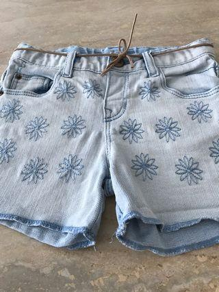 🚚 Zara girls denim shorts