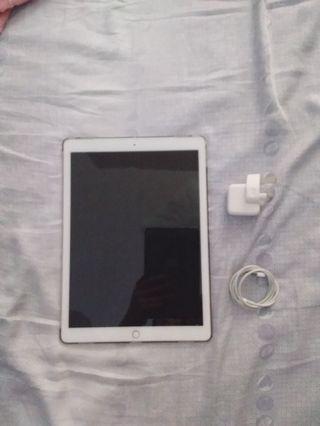 iPad pro 12.9 (2015) 128GB LTE WIFI