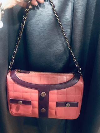 🚚 Authentic vintage Chanel bag