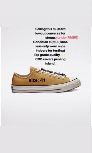 Low Cut Sneakers in Mustard