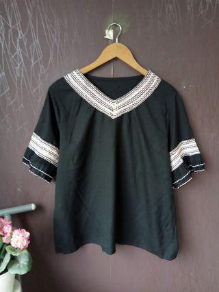 Black Blouse Lengan Pendek