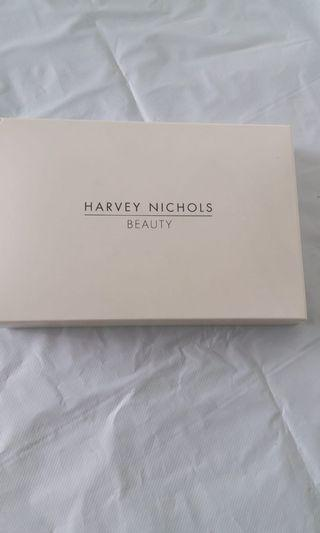 全新HARVEY NICHOLS長銀包