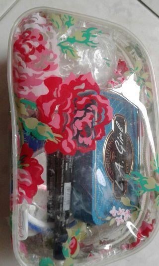 🚚 Cosmetic bag
