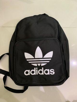 🚚 Adidas Originals Trefoil Backpack