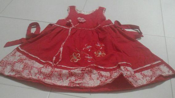 🚚 Red flowers dress