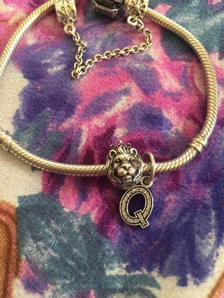 Authentic Pandora bought in Au.. bracelet and chain are not included po.. only charms 😊.. inclusion box only.. 😊
