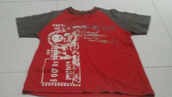 🚚 Red t shirt