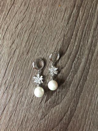 韓國純銀鑽石花花珍珠耳環 Korea diamond pearl earrings