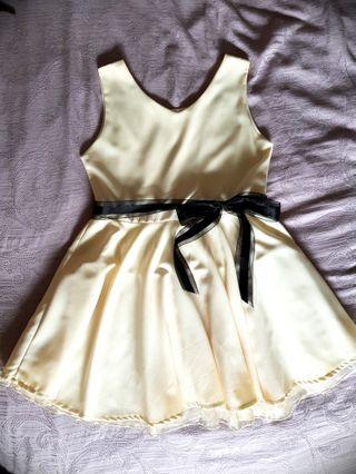 🚚 Cream chiffon dress #MRTjurongeast