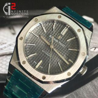 Audemars Piguet Royal Oak Grey Dial 15400ST - Brand New and Complete Set