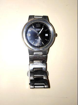 Casio watch   男裝 鋼帶手錶十年電